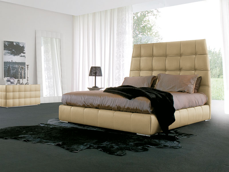 PACIFICO, Leather covered bed Loft