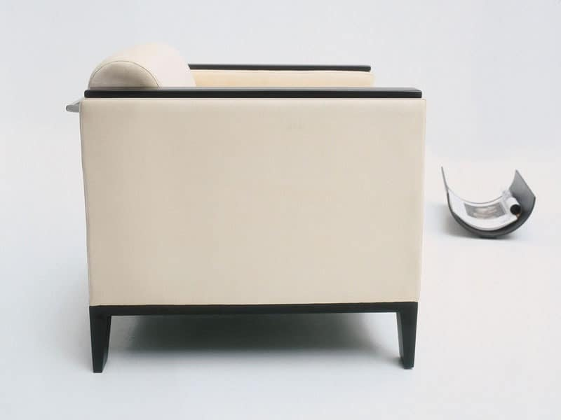 Tiffany 866 + BM, Armchair covered in fabric or leather, completely fireproof
