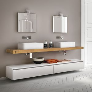 Change comp. 24, Bathroom furniture with top in natural oak, for bars