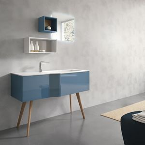 STR8 comp. 11, Bathroom furniture with legs, with shelves and mirror