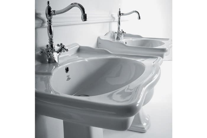 Wall Mounted Or With Pedestal Washbasin Made Of Ceramic