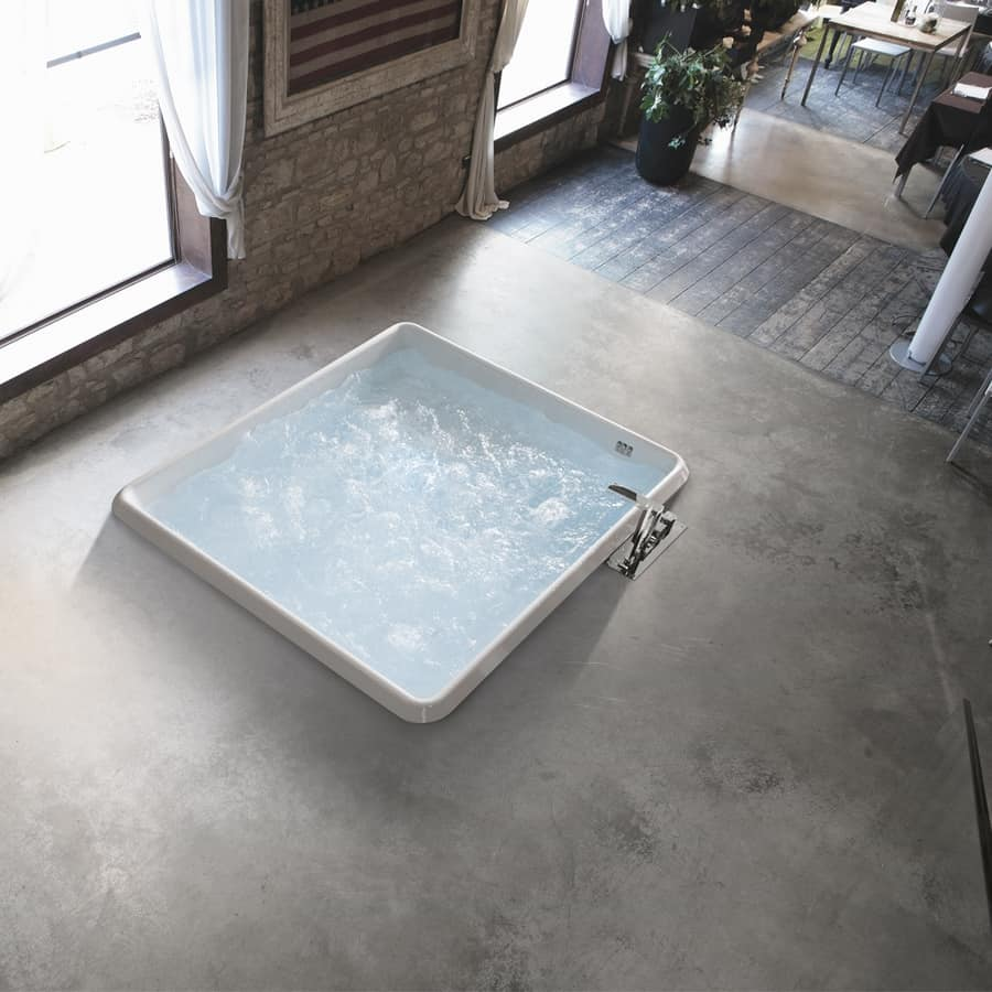 Bolla Q 160x160, Modern square tub, with wall panels