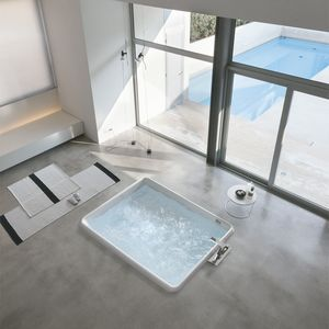 Bolla R, Rectangular built-in bathtub, with 24 injectors