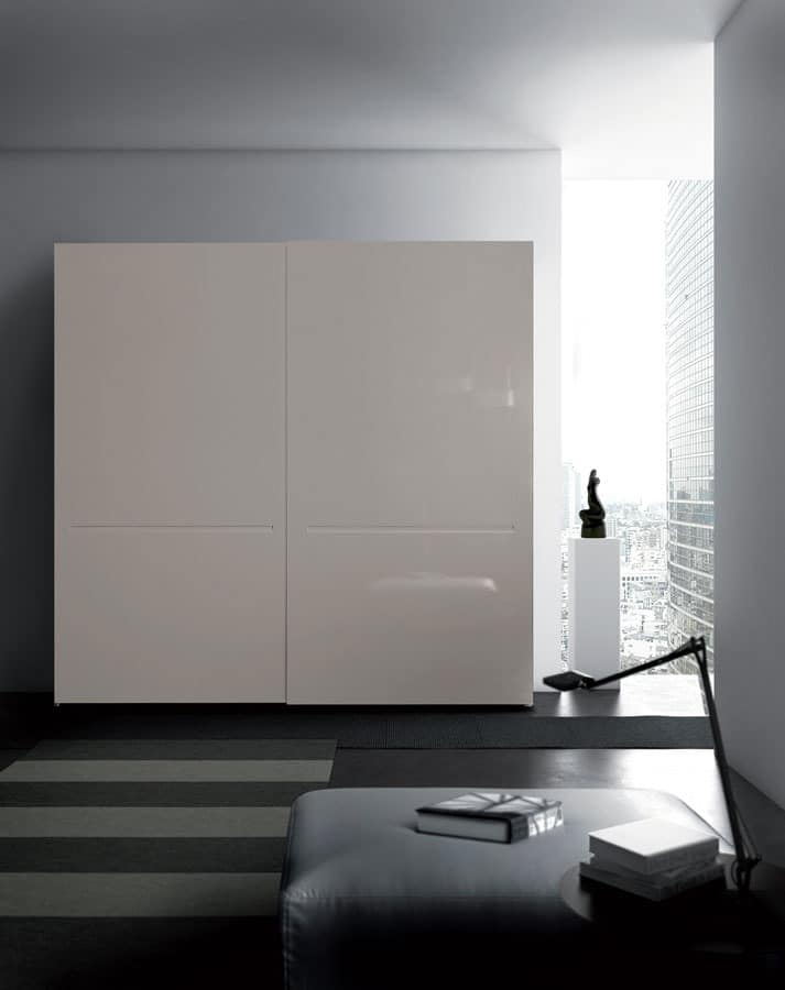 Wardrobes Tratto door
