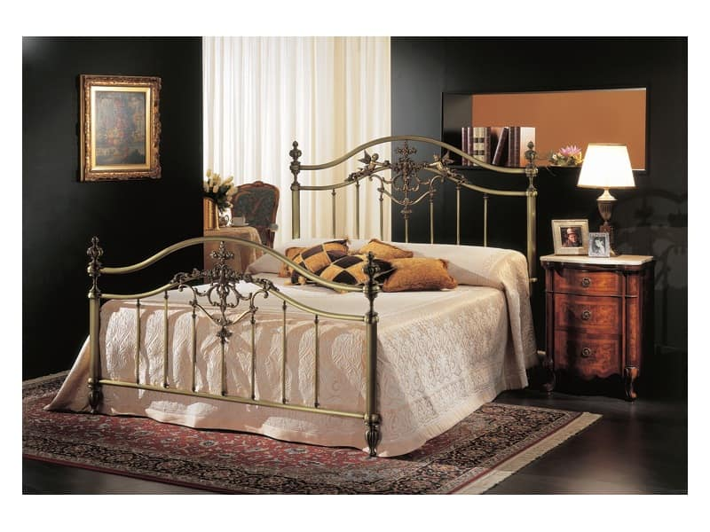 classic double bed in brass bronze for hotel room idfdesign. Black Bedroom Furniture Sets. Home Design Ideas