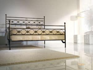 Double bed Incanto, Iron double bed with classic decorations