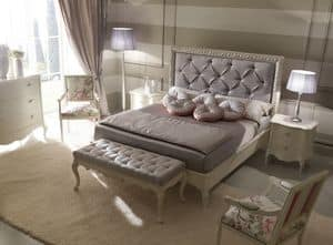 Rudy 6040 bed, Luxury classic bed, with tufted headboard, frame decorated with silver finish
