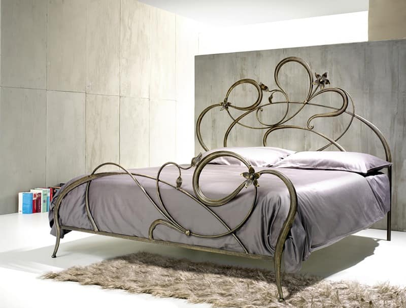 Double Bed In Wrought Iron Curved Lines Idfdesign