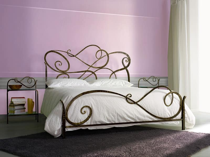 Wrought iron classic bed for bedroom idfdesign - Camera da letto ferro battuto ...