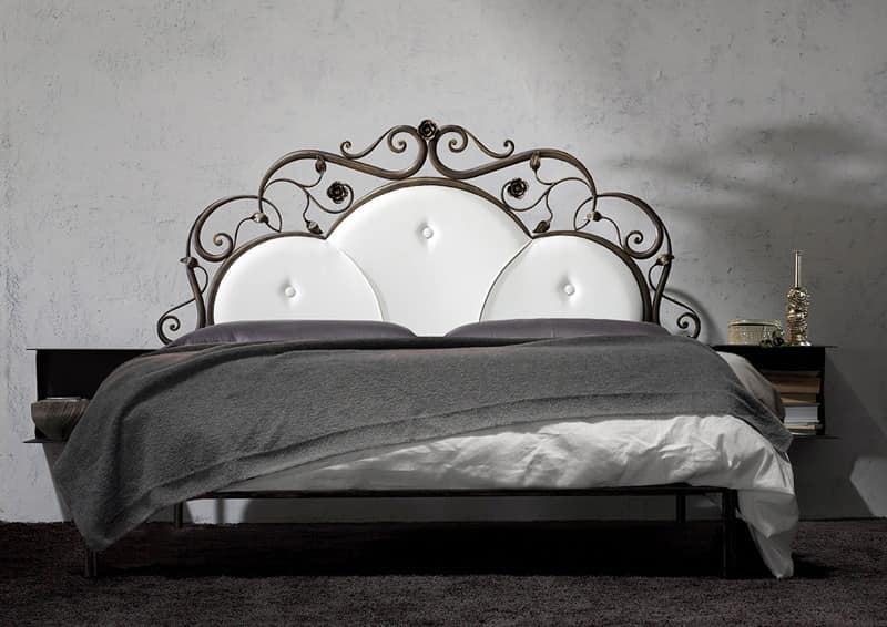 wrought iron double bed handmade idfdesign. Black Bedroom Furniture Sets. Home Design Ideas