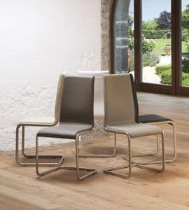 Paola, Chair with sled base, upholstered seat and leather covering