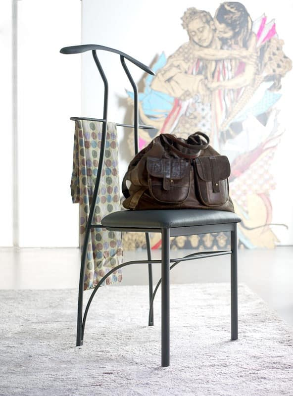 Hanger chair painted iron sitting in faux leather - Portabiti da camera ...