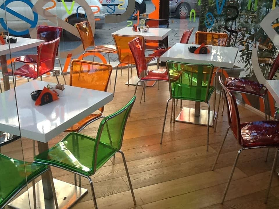 Sol chair, Chairs in colored polycarbonate, stackable, for bar restaurant and kitchen