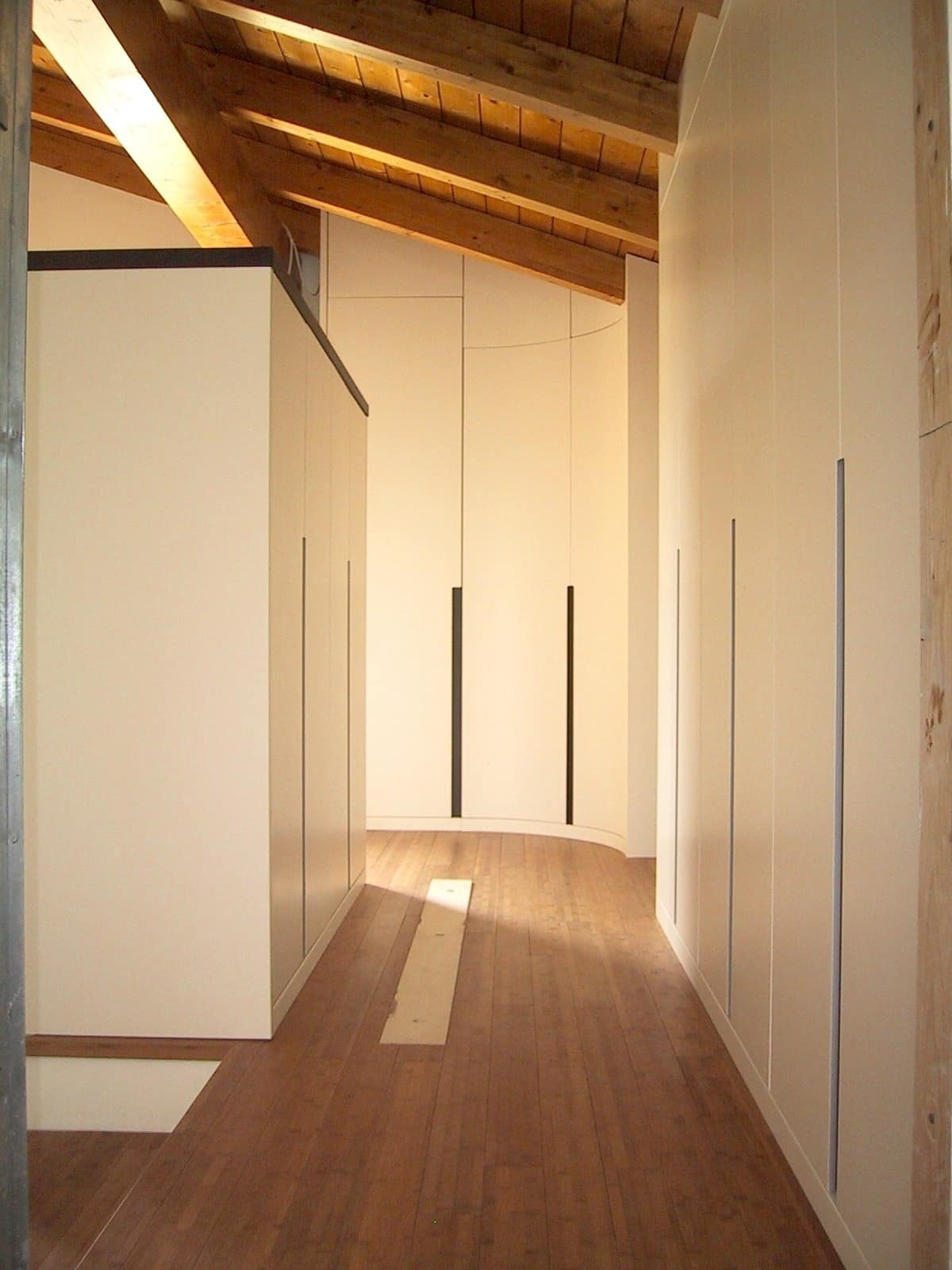 Wardrobe Customizable To The Attic With An Exclusive