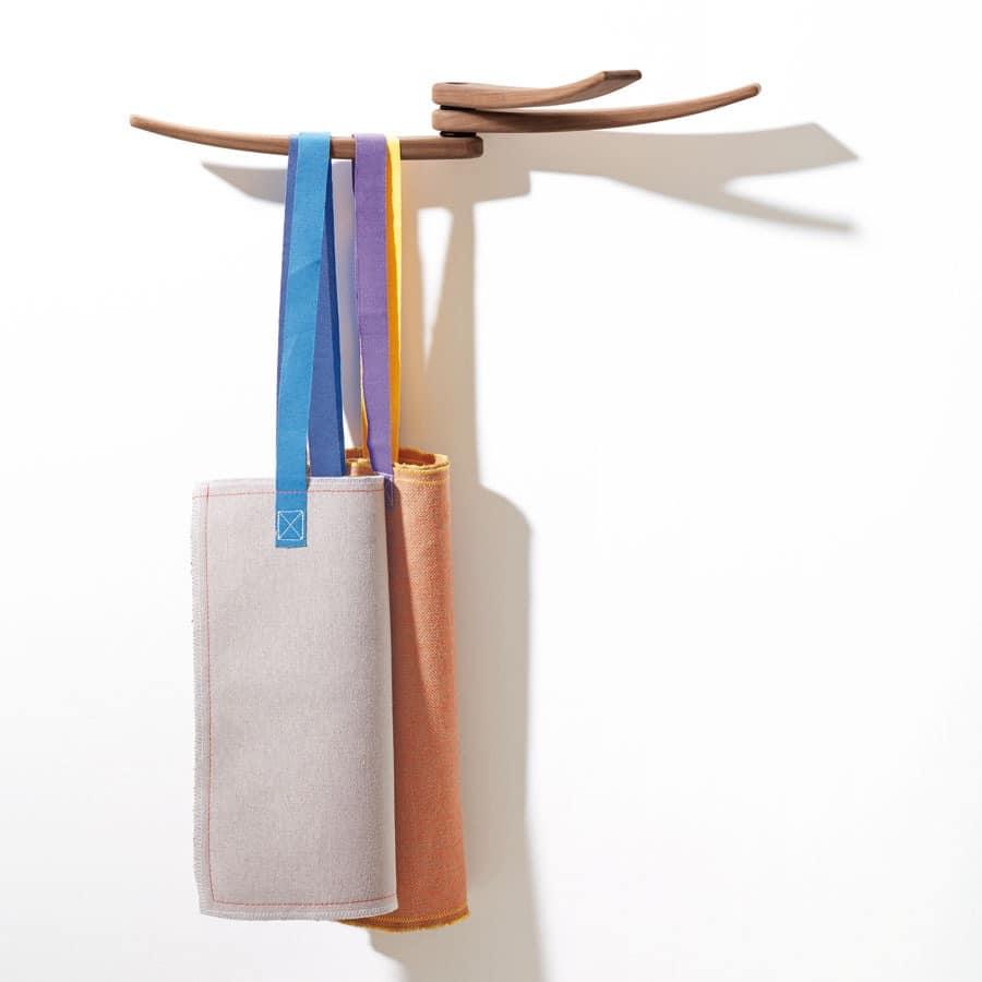 Elegant Wall Hangers Wood Wavy Lines IDFdesign