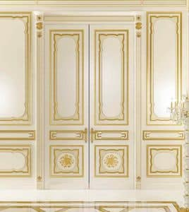 Villa d'Este lacquered, Classic wainscoting with gold leaf finishings for hotels