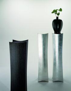 2109 Cham, Elegant column holder