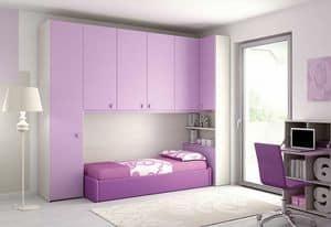 Bridge KP 108, Children bedroom with angled bridge and storage space