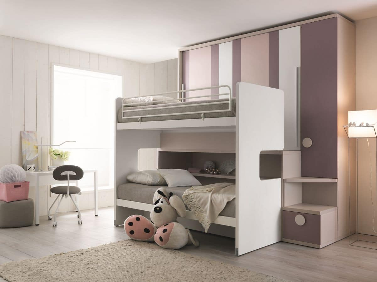 Comp. New 155, Saving space bedroom with three beds and wardrobe