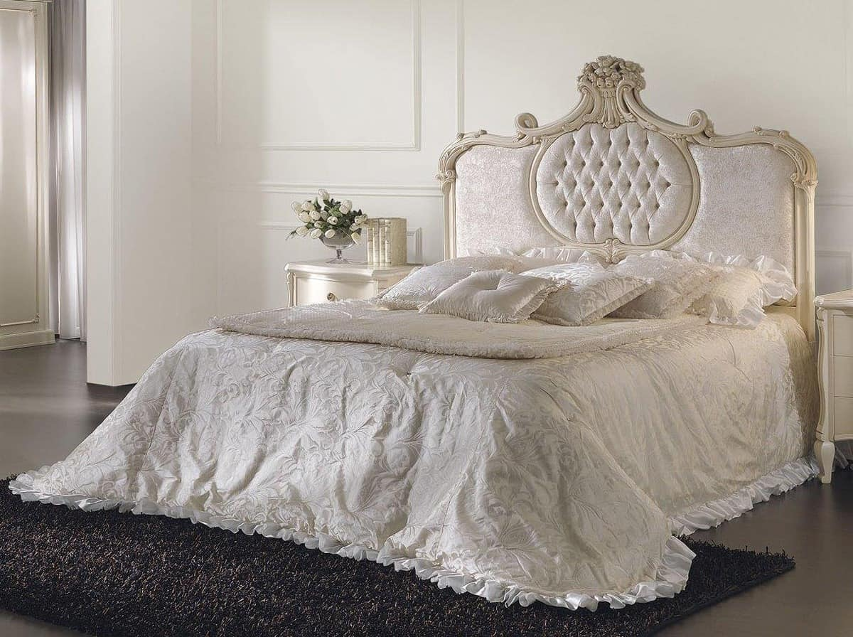 Beds Classic And Luxury Style IDF