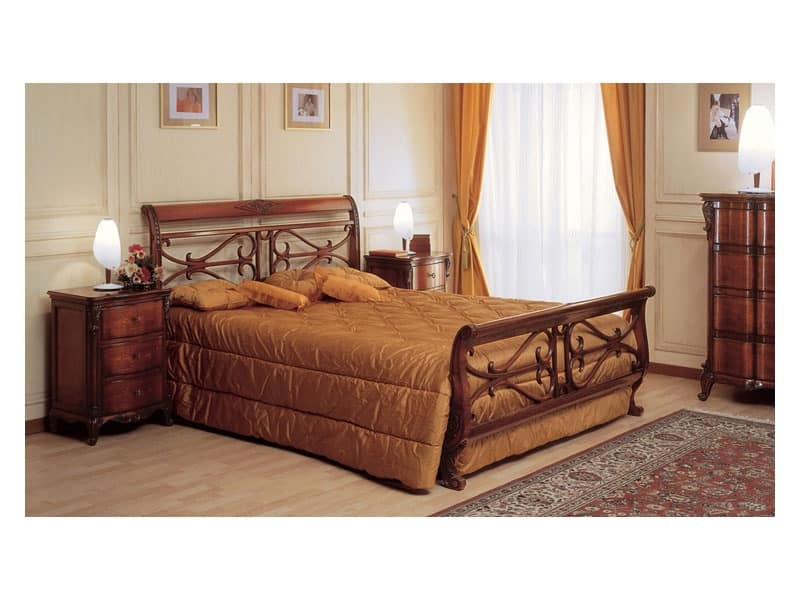 Art. 294/T '700 Francese, Wooden bed handmade, for classic room furnishing
