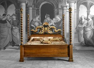 Art. 656 bed, Bed with gorgeous carved headboard