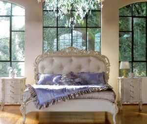Art. 9054.170.017, Handcrafted bed with classical style