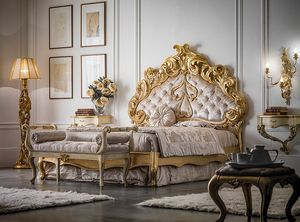 Art. 9092.170, Classic bed with gorgeous carved headboard