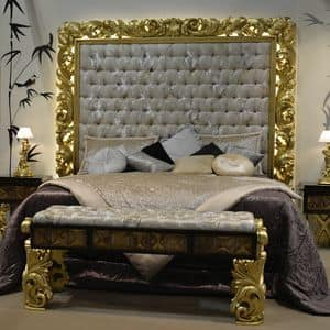 Art. NC001LT, Bed with carved headboard, gold leaf finish