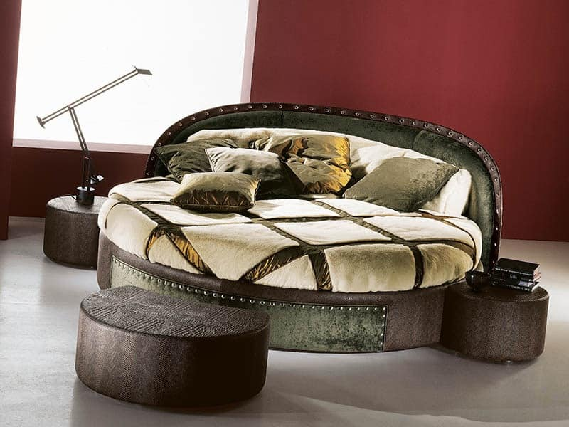 round bed, italian handcrafted bed, luxury bed Historical palace ...