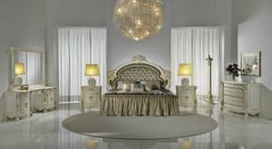 Naomi, Luxury classic bed, with headboard tufted, carved