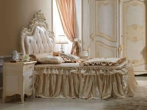 Perla Bed, Carved wooden bed, for luxury bedrooms
