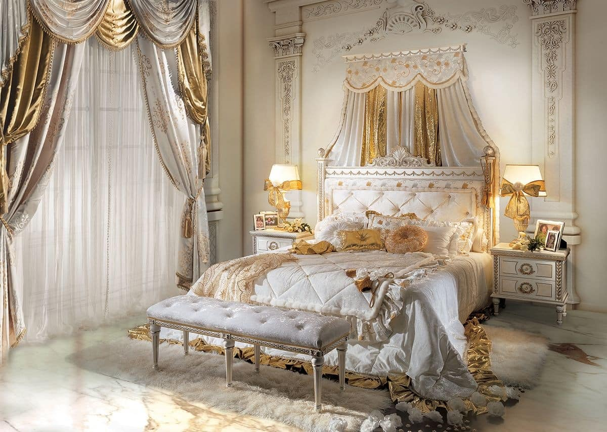 Classic Luxury Double Bed In Carved Wood IDFdesign