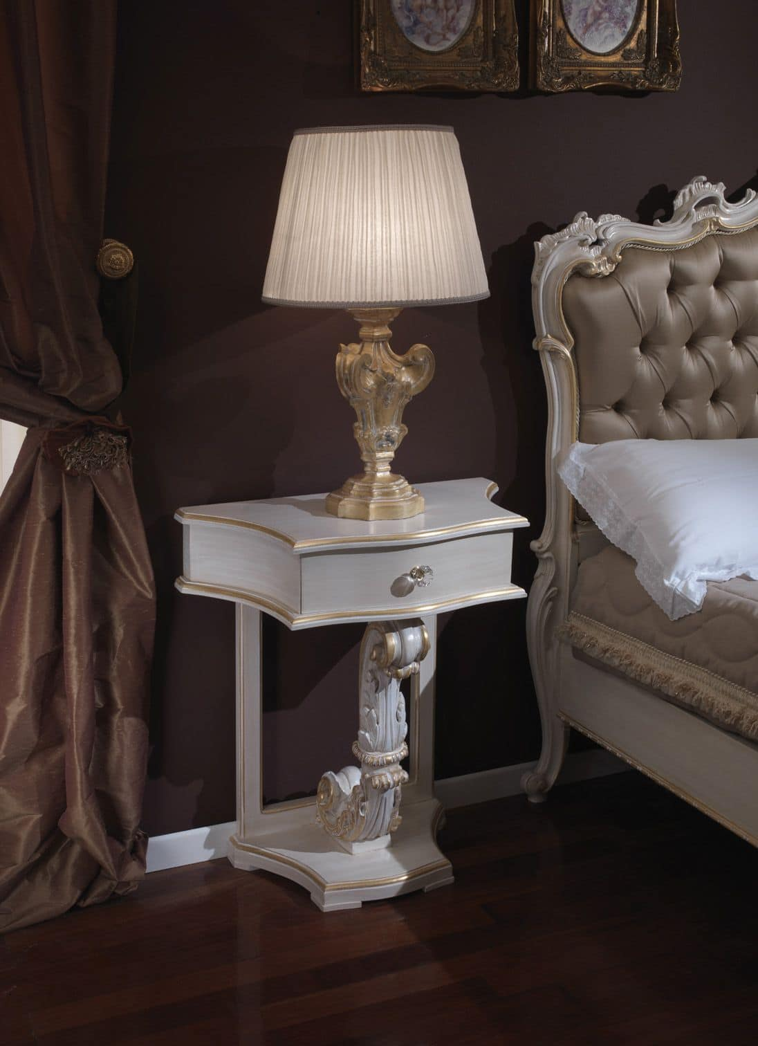 Classic bedside table - 3645 Bedside Table Classic Bedside Table With Gold Leaf Finishings Suited For Bedrooms