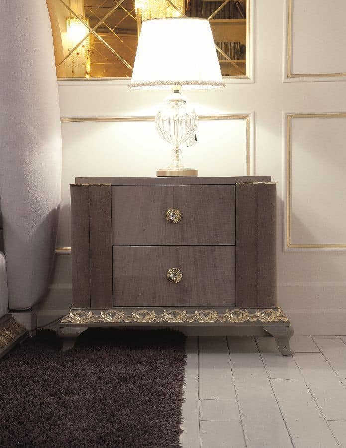 Art. 115, Classic bedside table suited for bedrooms and hotels