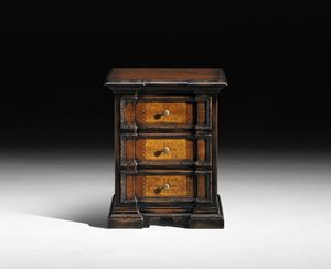 Art. C13 nightstand, Elegant bedside table available with European or American sizes