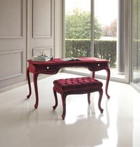Picture of Torquato pouf, antique style benches