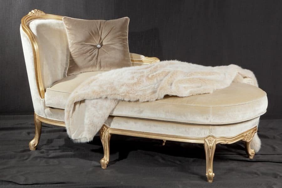 Luxury daybed baroque style idfdesign for Baroque chaise lounge sofa