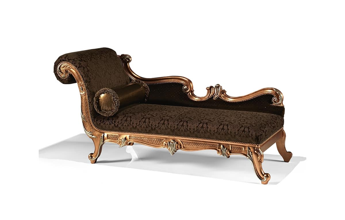 Art 1752 l carved chaise longue entrance idfdesign for Chaise longue classic design italia