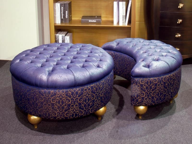pair of pouf with wooden legs tufted idfdesign. Black Bedroom Furniture Sets. Home Design Ideas