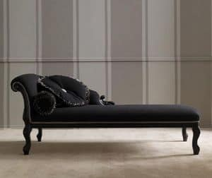 Carved chaise longue lacquered decap finish idfdesign for Chaise longue classic design italia