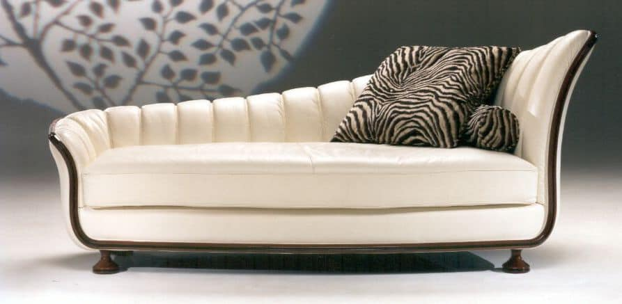 Chaise longue made of genuine leather with wooden for Chaise longue classic design italia