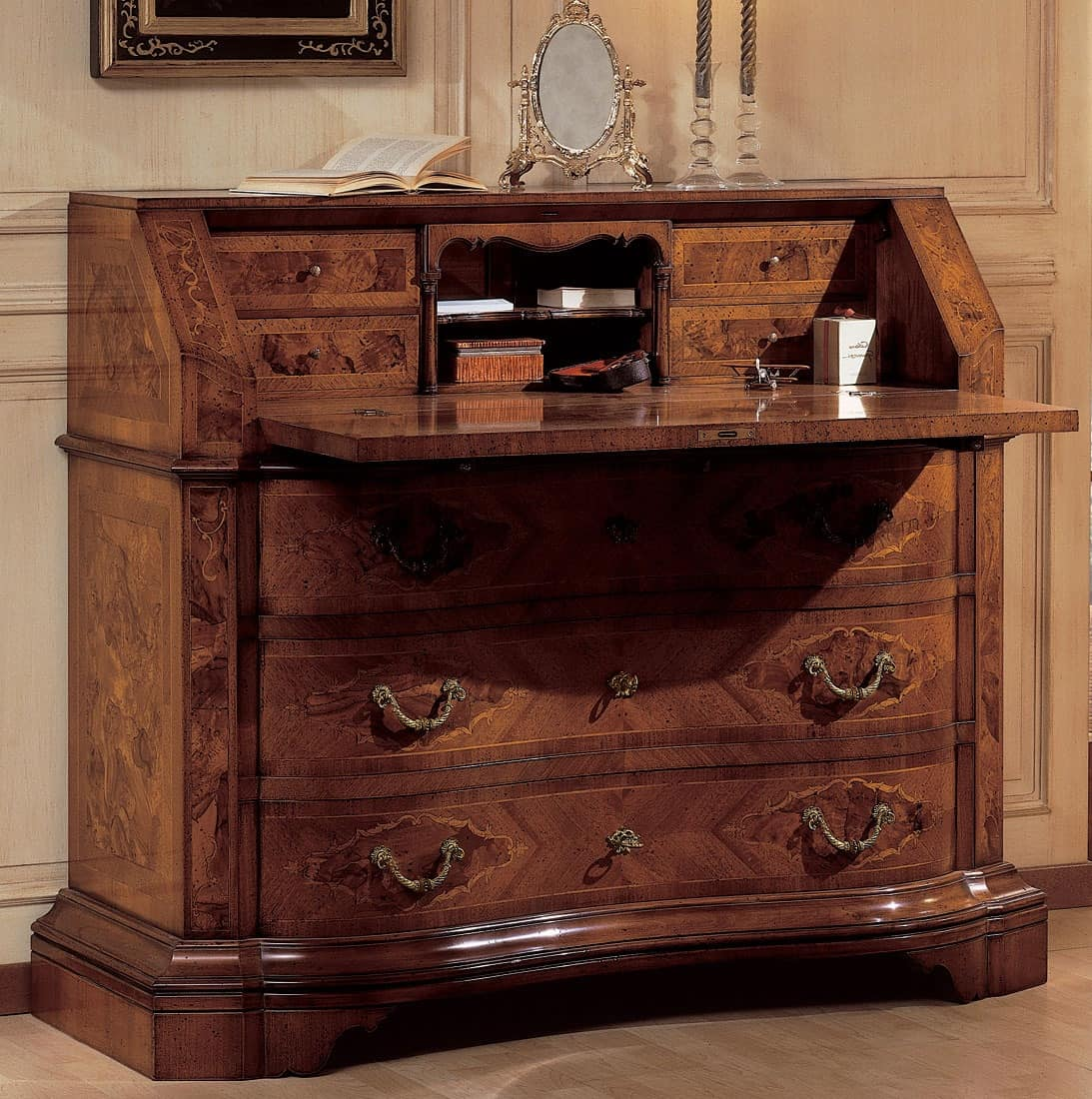 Art. 2080, Wooden cabinet, with antique finish, with folding top
