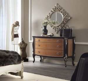 R89 / chest of drawers, Chest of three drawers, with carved details
