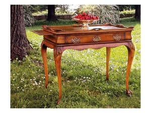 Picture of 555, classic small table in carved wood