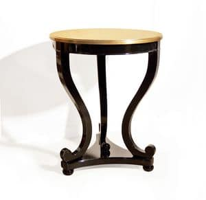 Art. 1750, Classic side tables in carved wood