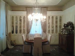 Antony, Classic showcase ideal for dining room