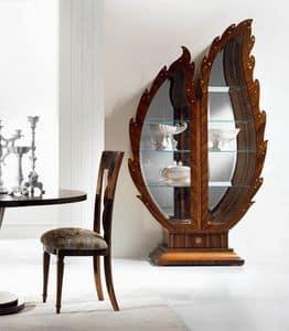VE37 Pois, Wooden display cabinet, mirror backdrop, lighting display