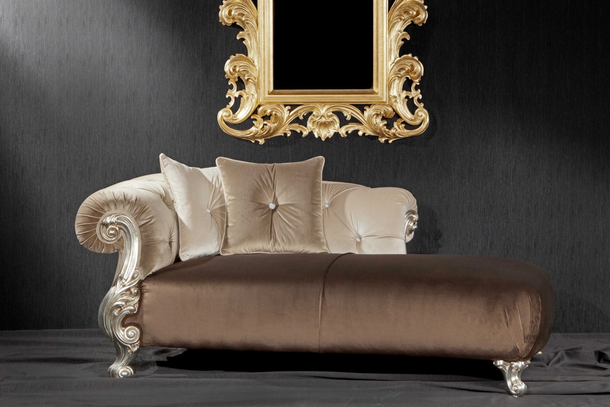 baroque style daybed with finishings in gold and silver. Black Bedroom Furniture Sets. Home Design Ideas