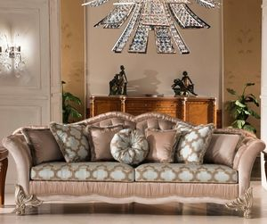 Art. 4007, Classic sofa with carved feet